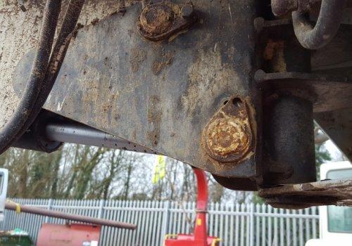 Missing Pin retaining bolt